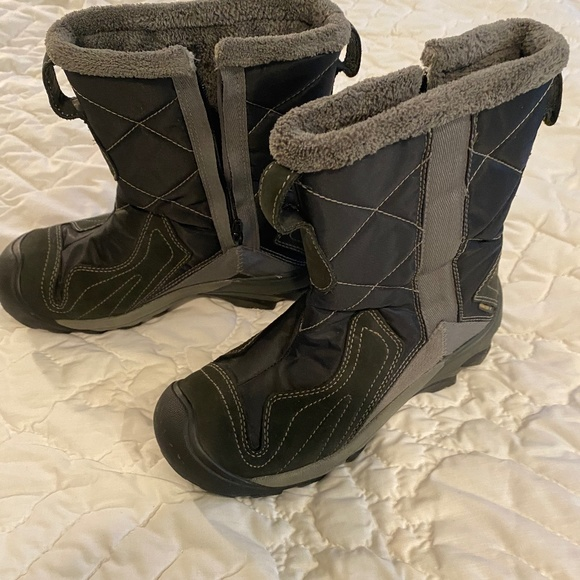 Keen Betty Winter Boots size 6